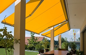 Toldo-Extensible-Jardin-vivienda-web-300x191