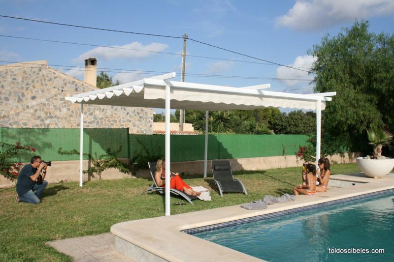 P rgolas para piscinas for Toldos para piscinas