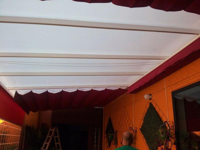 Techos de policarbonato para terrazas for Como hacer un toldo barato