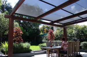 Toldo-Veranda-sobre-estructura-de-madera-web