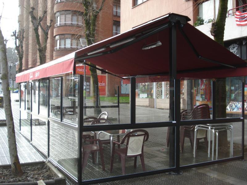 Toldos para bares - Fotos de cerramientos de terrazas ...